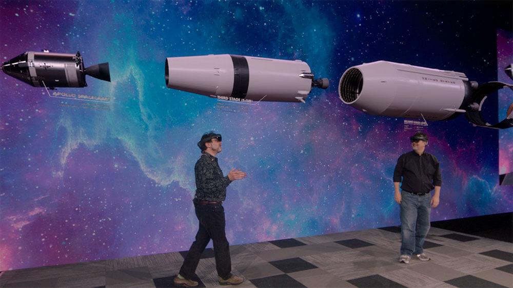UE_HoloLens2_LunarLanding_Demo_Pic1.jpg